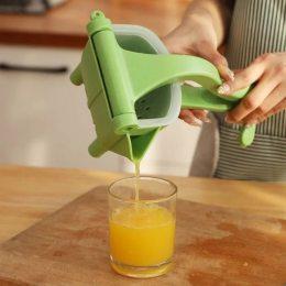 Ручная мини-соковыжималка для фруктов, портативная пластиковая соковыжималка с зажимом Hand Juicer (237)